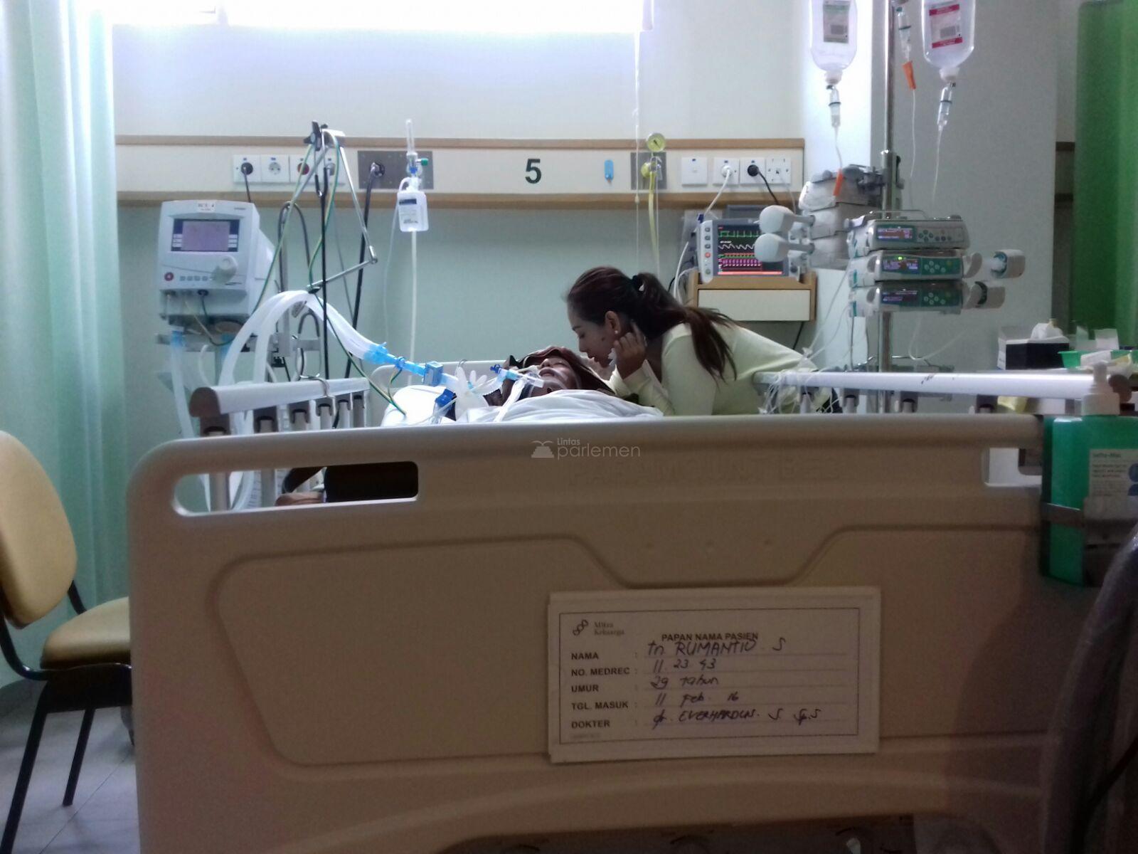 Kondisi pasien Rumantio (29) di RS Mitra Keluarga