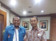 Sekjen DPP KNPI Sirajuddin Abdul Wahab dan Komisioner KPU Pramono Ubaid Tanthowi