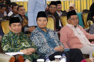 Jazuli bersama Wakil Ketua Majelis Syuro PKS Hidayat Nur Wahid dan Presiden PKS Sohibul Iman